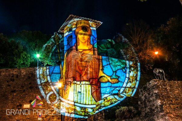 Proiezione su monumento Arezzo