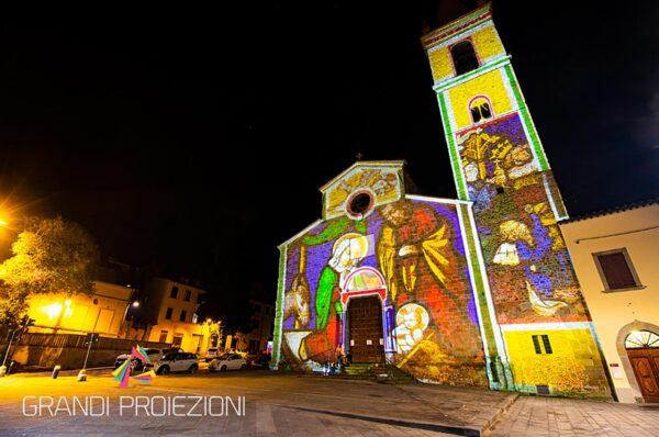 Proiezione Natalizia Mapping facciata Chiesa Dant'Agostino Arezzo