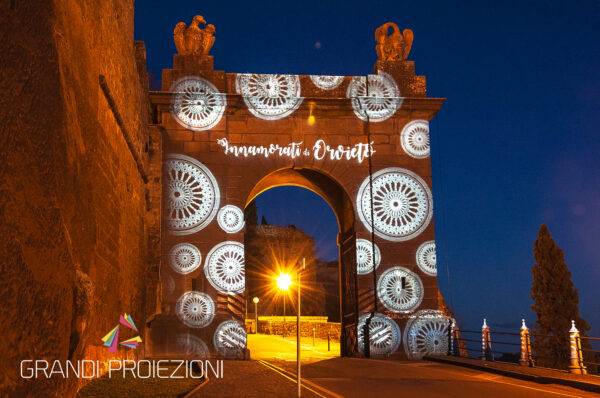 Proiezione su monumento Porta Romana Orvieto