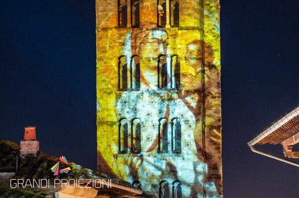 Proiezione su facciata chiesa Santa Maria Della Pieve Arezzo