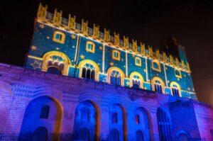 illuminazione facciata palazzo del popolo Orvieto per l'anno dantesco